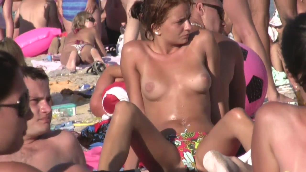 Фото женщин на нудистком пляже 7 фотография