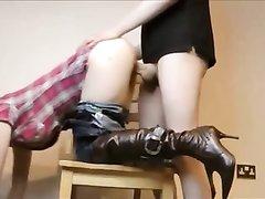 Домашний секс на стуле