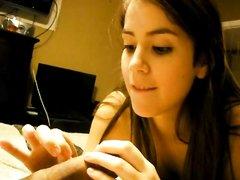 Бразильская студентка в видео от первого лица сделала любительский минет