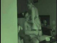 Жена нарядилась проституткой для домашнего секса с мужем перед вебкамерой