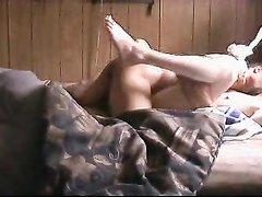 Белая домохозяйка после куни шире раздвинула ноги для чёрного члена негра