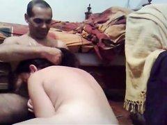 Зрелая турчанка сделав домашний минет долбится с партнёром на карачках