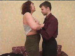 Любительский секс нежного русского студента со зрелой рыжей женщиной