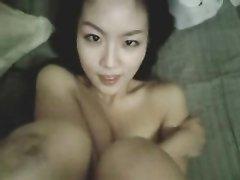 Секс от первого лица с домашним минетом и окончание на лицо молодой азиатки