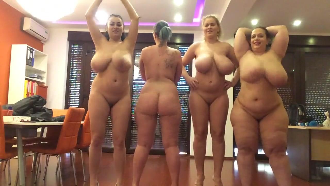 Зрелые толстухи по вебкамере показывают большие сиськи и попы