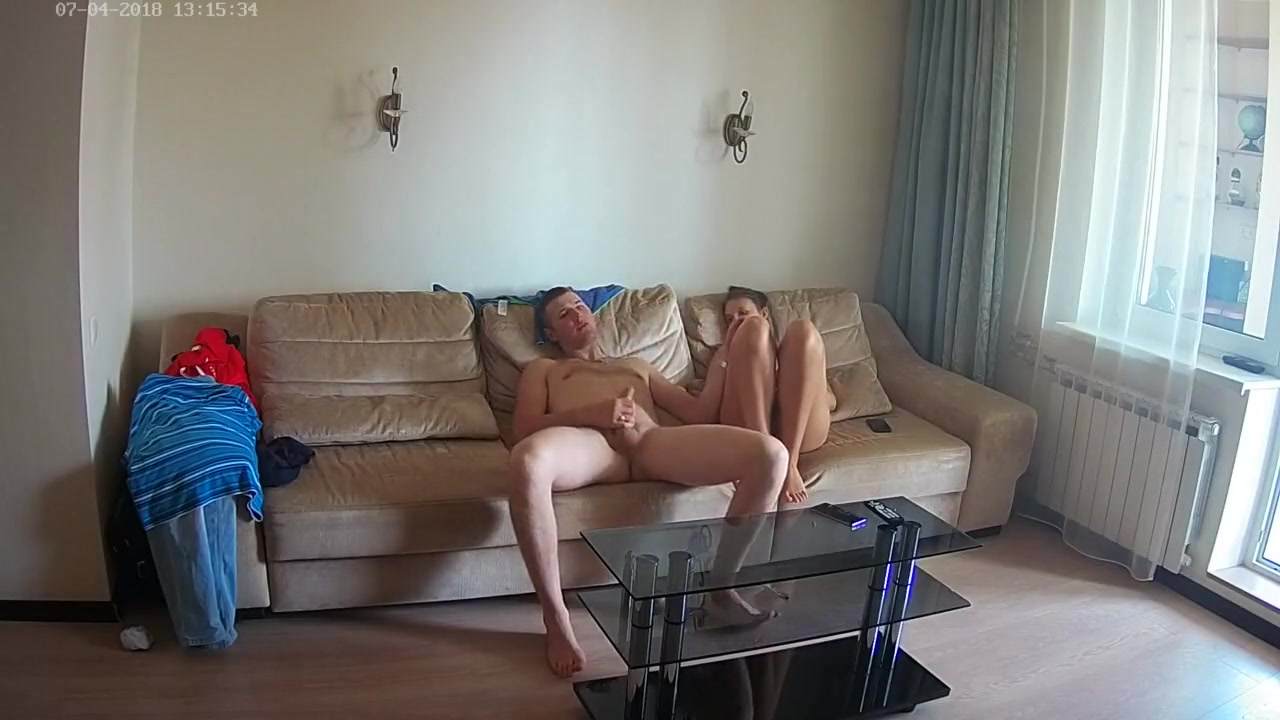 Скрытая камера снимает любительский секс с грудастой русской красоткой