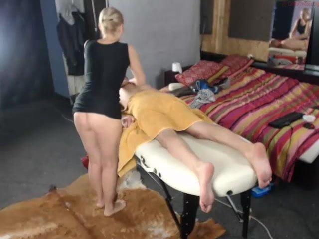 Анал с окончанием внутрь и домашняя мастурбация зрелой массажистки