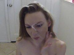 Рыжая зрелая дама на качелях трахается с любовником для окончания на лицо