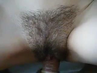 Грудастая зрелая дама от первого лица трахается в волосатую щель