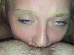 Римминг с домашним минетом и сквиртинг зрелой дамы с волосатой киской