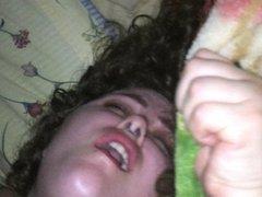 В постели любительский хардкор со стонущей грудастой зрелой толстухой