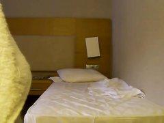 В гостинице домашний секс с загорелой зрелой соблазнительницей