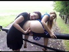 Лесбийская любительская мастурбация блондинки с большой попой