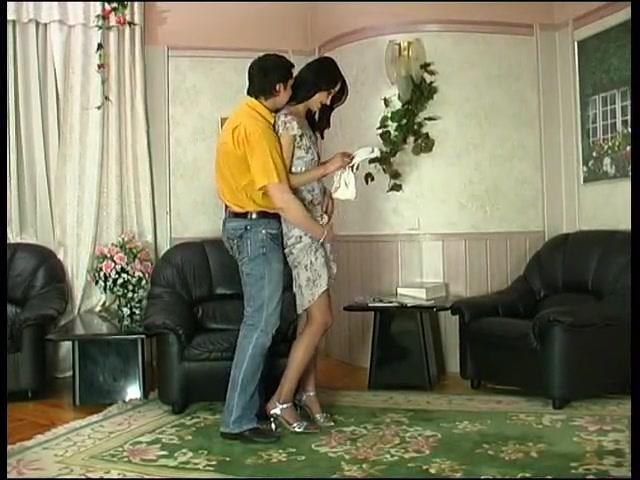 Минет и любительский анал с молодой русской брюнеткой в колготках