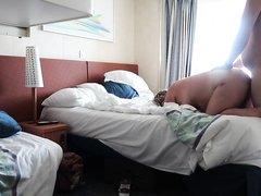 Зрелая толстуха перед домашней скрытой камерой изменила супругу