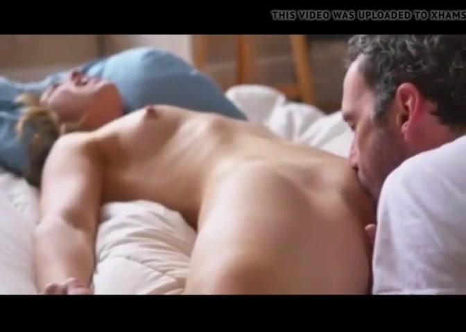 Мужик до оргазма лижет клитор зрелой любовнице стонущей от наслаждения