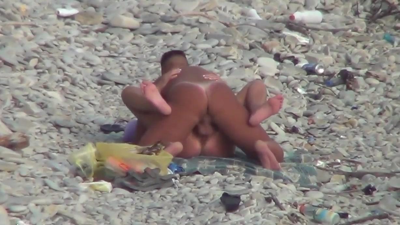 Секс на пляже любительская 11 фотография