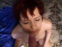 В гости пришла подруга жены и чувак предложил домашний секс, зная что эта красотка одинока и вряд ли откажется от члена