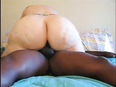 Толстая леди из Лондона встретилась для домашнего секса с энергичным негром