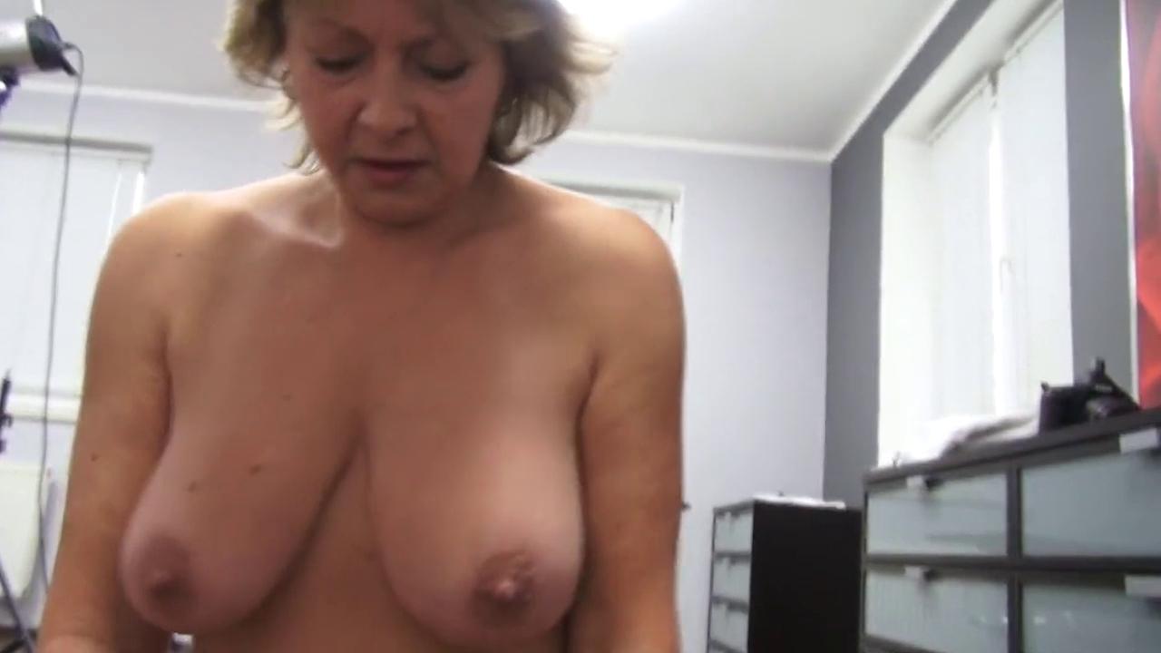 Секс зрелых женщин от первого лица 22 фотография