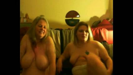 Зрелые и толстые блондинки в в любительском видео предстали обозрению голыми