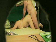 Скрытая камера снимает любительский секс зрелой аристократки на карачках